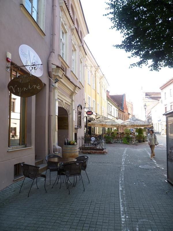kleines Cafe in Gasse Vilnius Litauen