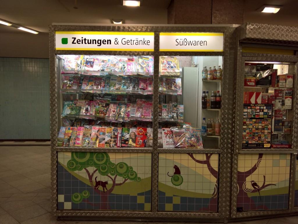 Kiosk am U-Bahnhof Turmstr. Berlin
