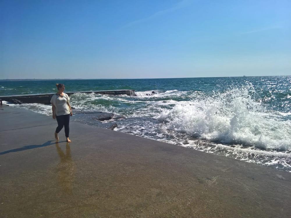 odessa stein strand morgens laheron