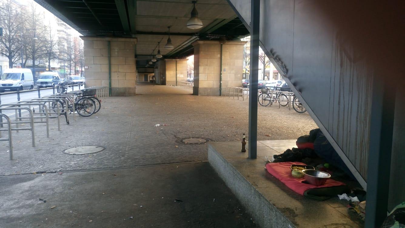 obdachlose in berlin foto schoenhauser allee warum berlin